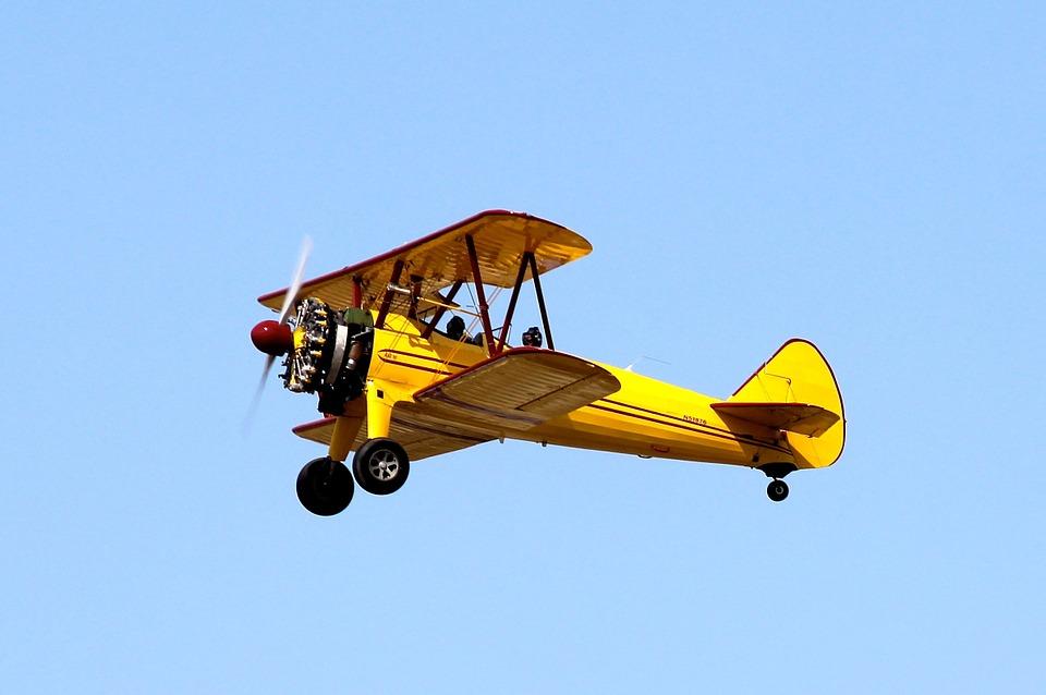 biplane-74556_960_720